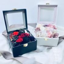PiePie Floral Art 永恆皮革不凋花禮 / 黑 / 白