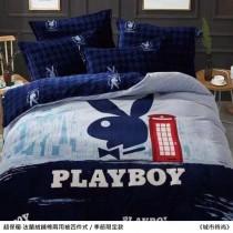 保暖舒適·PLAYBOY正版授權‧法蘭絨鋪棉兩用被四件式《城市時尚》